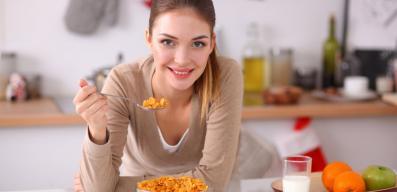 Ποιες πρωινές διατροφικές συνήθειες πρέπει να αλλάξετε για να χάσετε κιλά;